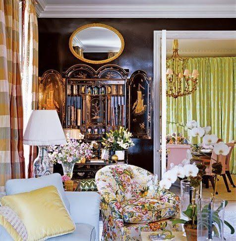 Mario Buatta Decorates A Glamorous Manhattan High Rise