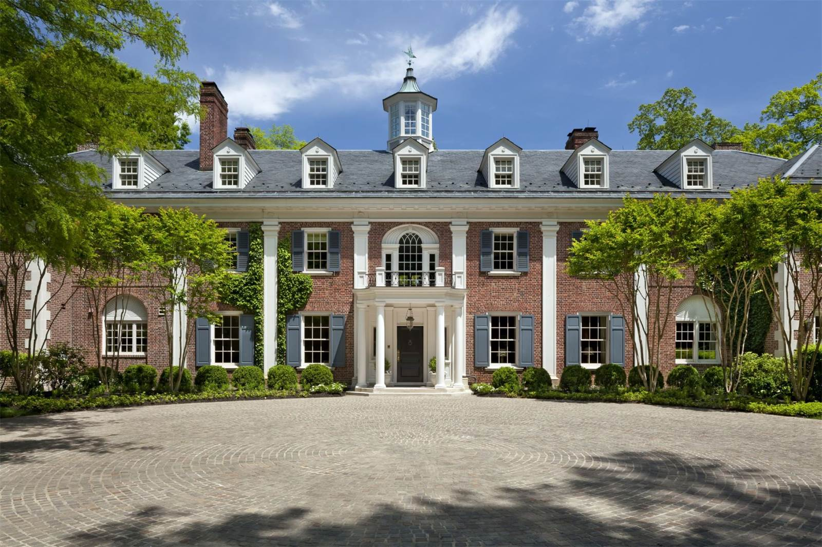 Jacqueline kennedy 39 s childhood home is for sale the glam pad for Dc home for sale
