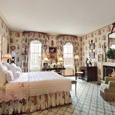 Roses & Pansies: A Classic Chintz by Colefax & Fowler