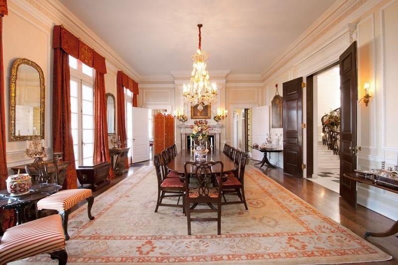 ogden-codman-jr-dining-room-traditional-persian-rug-crystal-chandelier