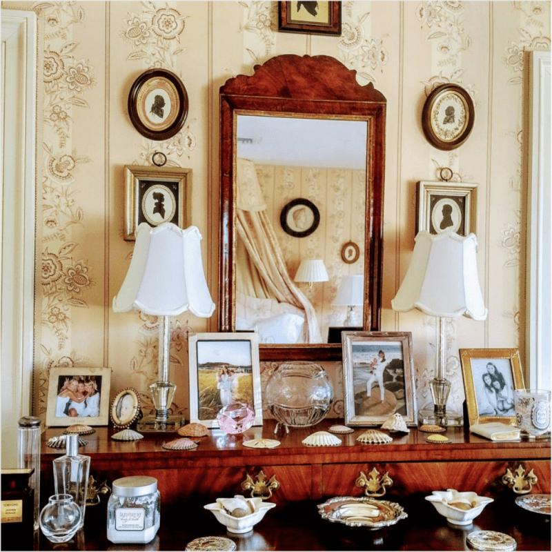 chesie-breen-romantic-bedroom-antique-silhouettes