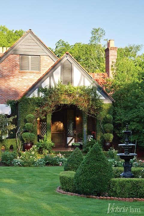 1920s-tudor-cottage-columbus-georgia-beautiful-landscaping-topiaries