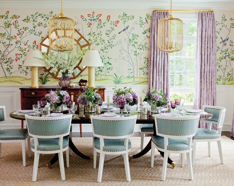 Power-of-Pattern_p056-057-ashley-whittaker-de-gournay-wallpaper-dining-room-handpainted-chinoiserie