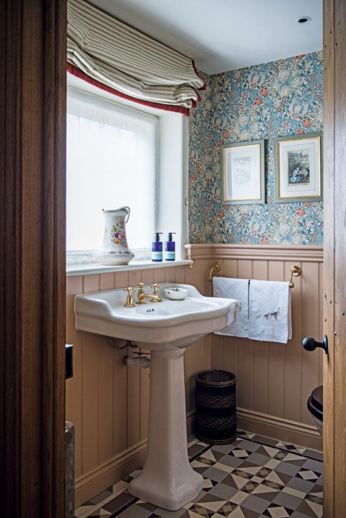 English Powder Room Louise Jones William Morris Golden Lily