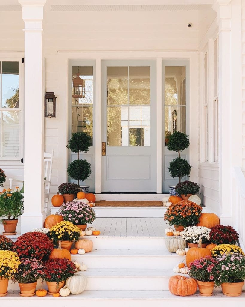 Julia Engel Instagram Front Porch Charleston Decorated For Fall Mums Pumpkins Topiaries The Glam Pad