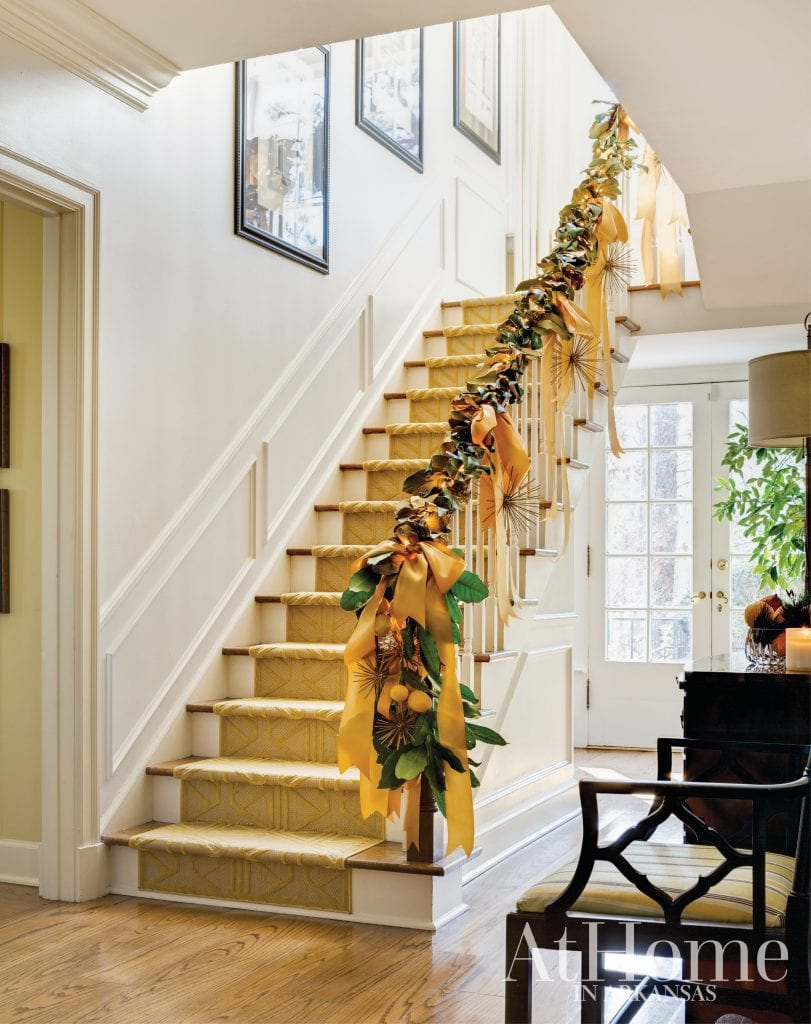 Christmas Holiday Banister Stairs Staircase Decorating Ideas