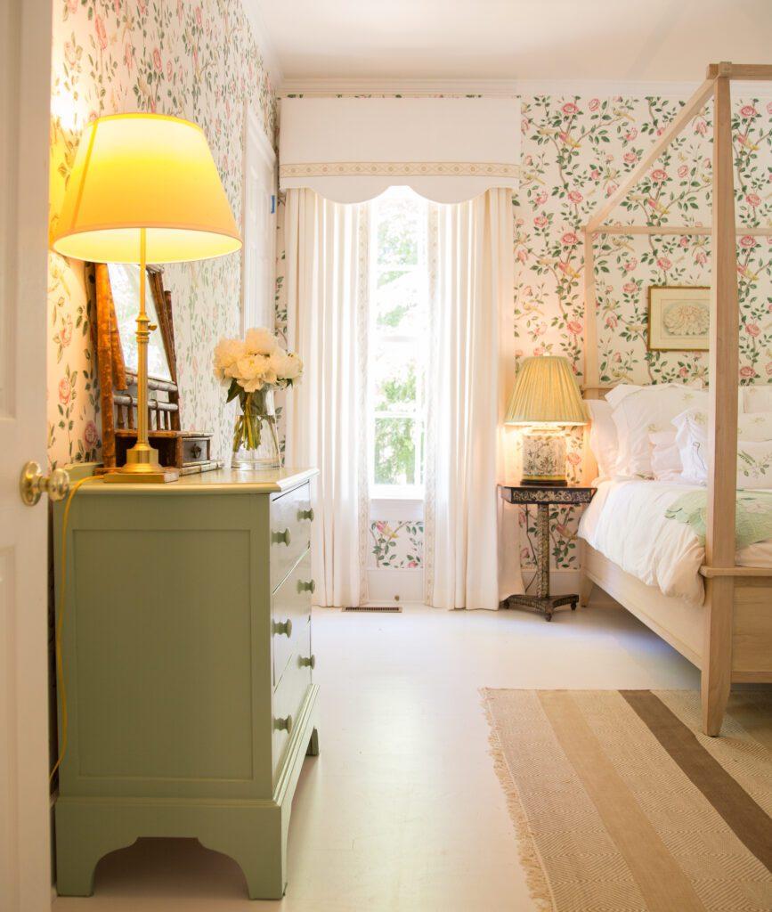 Julia Amory India Hamptons Home Tour Farrow Ball Breakfast Room Green The Glam Pad