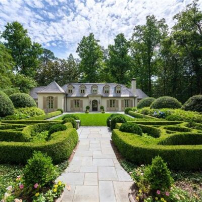 A Stanley Dixon and Phoebe Howard Designed Home for Sale in Atlanta