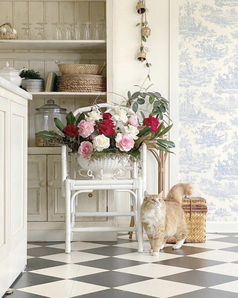 Jenny Bohannon, Tallwood Country House, blue white toile, floral arrangement